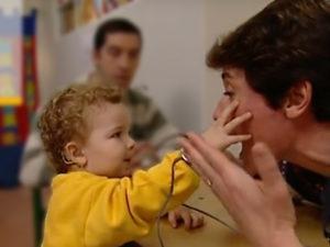 Orthophoniste - surdité chez l'enfant